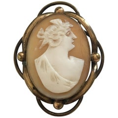 Antique Gold-Plated Victorian Pendant / Brooch Cameo
