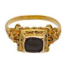 Antique Gold Renaissance Gemstone Ring