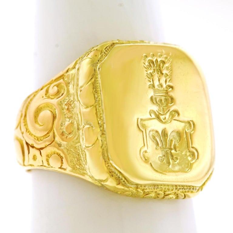 Antique Gold Signet Ring For Sale 4