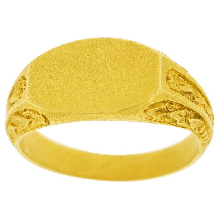 Antique Gold Signet Ring For Sale