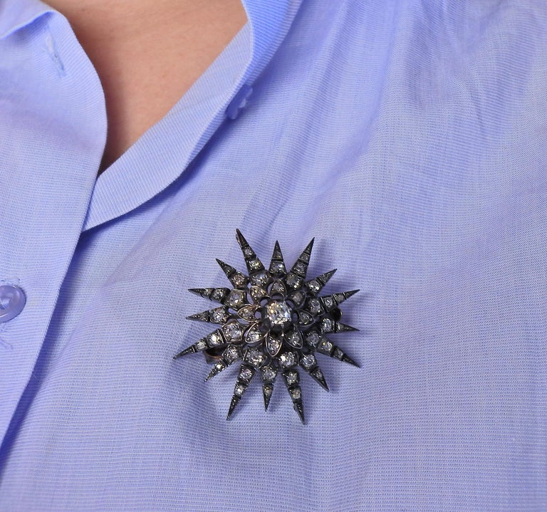 Antique Gold Silver Diamond Starburst Brooch Pendant In Excellent Condition For Sale In New York, NY
