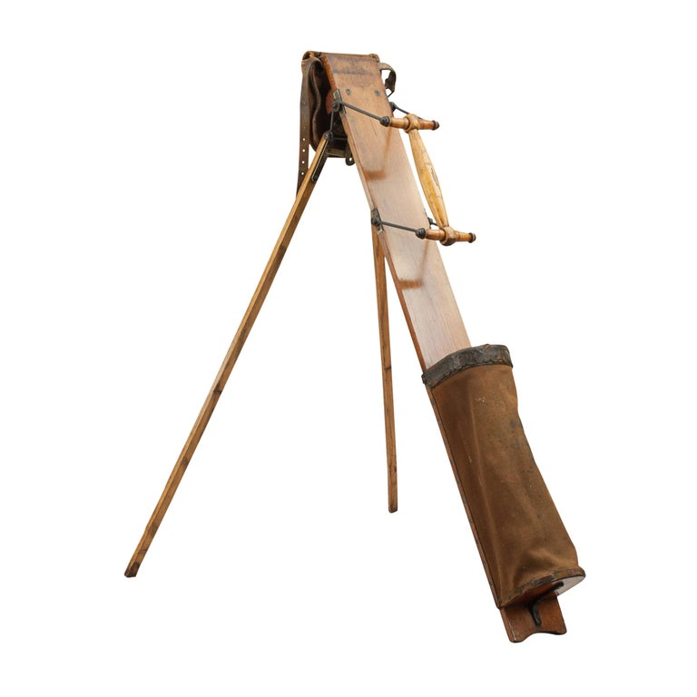 Antique Caddie Golf bag, George Bussey Automaton Caddie. A wonderful example of an early auto caddy by George Bussey, in exceptional condition. This is a rare find indeed as very few of these bags have survived, and they are difficult to obtain. To