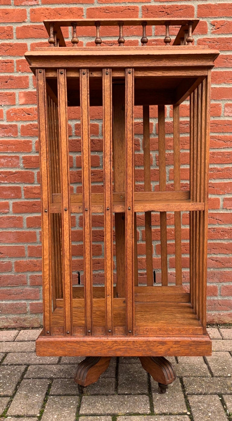 Antique & Good Size Early 1900s Tiger Oak Revolving Bookcase on Original Wheels For Sale 5