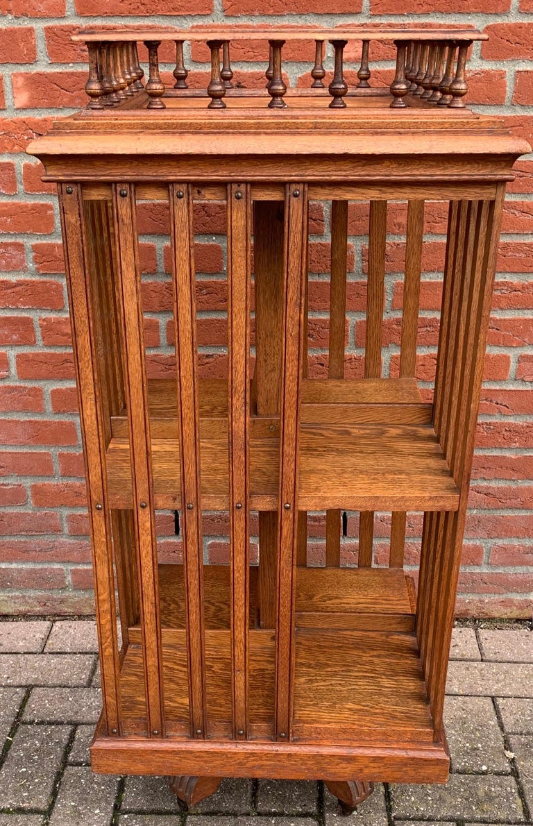 Antique & Good Size Early 1900s Tiger Oak Revolving Bookcase on Original Wheels For Sale 11