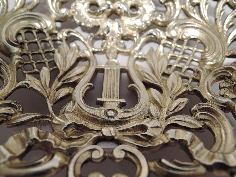 Antique Gorham Sterling Silver Bonbon Scoop with Art Nouveau Classical Lyre For Sale 2