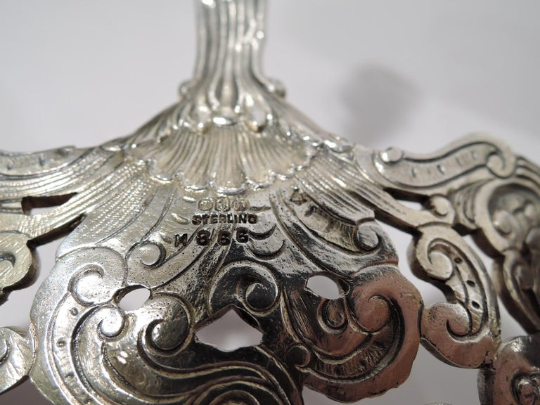 Antique Gorham Sterling Silver Bonbon Scoop with Art Nouveau Classical Lyre For Sale 3
