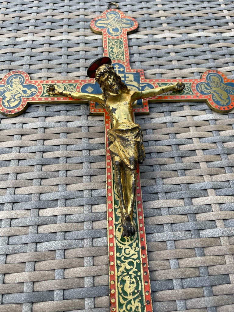 Good size and impressive hand-crafted Gothic church wall crucifix  This beautifully shaped and all handcrafted crucifix for wall mounting comes with a top quality made and finely detailed, gilt bronze corpus of Christ. The cross is decorated with