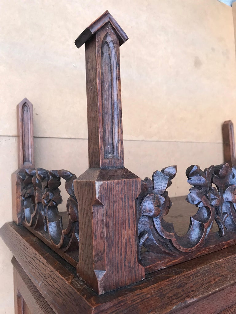 Antique Gothic Revival Hand Carved Oak Wall Cabinet with Gargoyles Sculptures For Sale 9