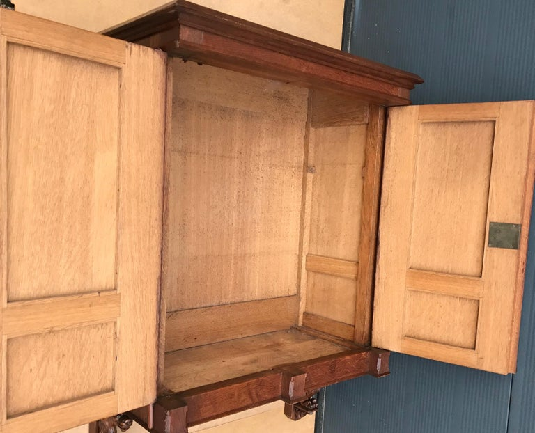 Antique Gothic Revival Hand Carved Oak Wall Cabinet with Gargoyles Sculptures For Sale 12