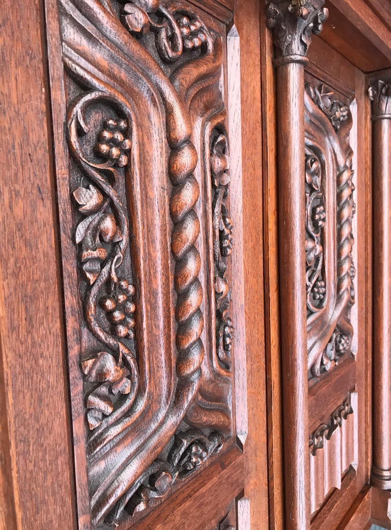 Antique Gothic Revival Hand Carved Oak Wall Cabinet with Gargoyles Sculptures For Sale 3