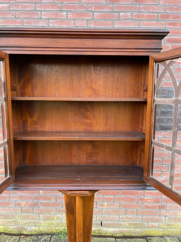 Antique Gothic Revival Solid Mahogany Hanging Wall Cabinet with Church Windows In Good Condition For Sale In Lisse, NL