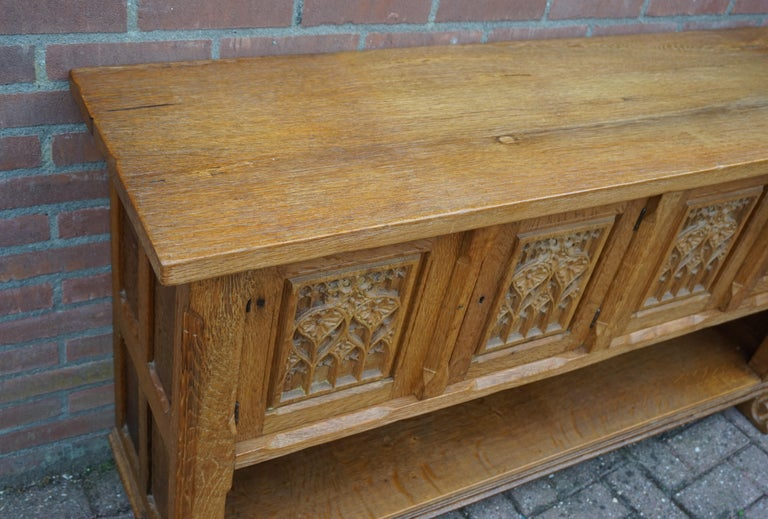 Antique Gothic Revival Solid Oak Sideboard / Sidetable / 1920s 4-Door Credenza In Good Condition For Sale In Lisse, NL