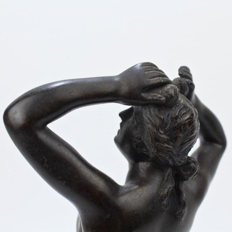 Antique Grand Tour Bronze Sculpture of a Venus For Sale 8