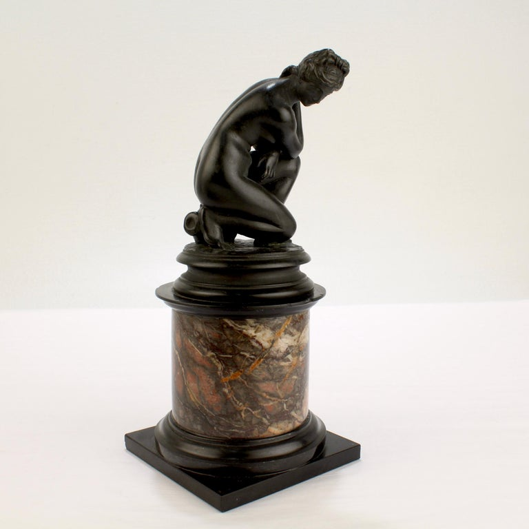 Antique Grand Tour Bronze Sculpture of the Crouching Venus after Giambologna For Sale 1