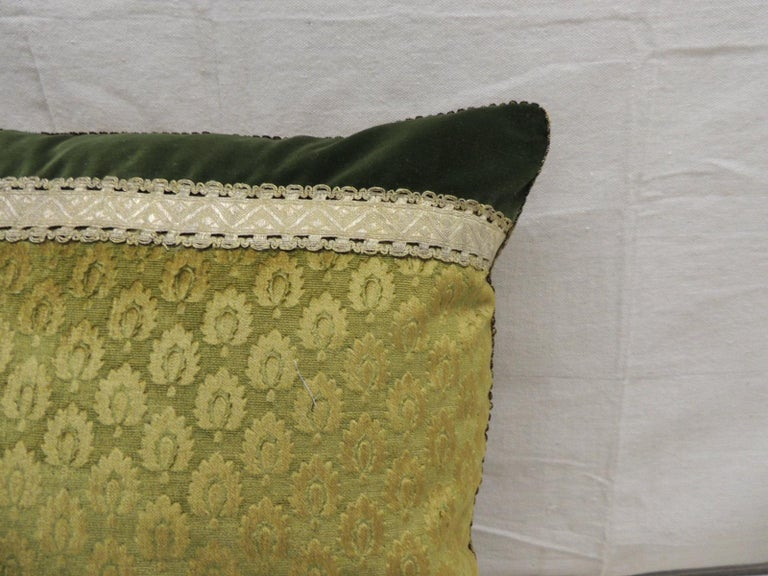 French Antique Green and Gold Gaufrage Silk Velvet Square Decorative Pillow For Sale