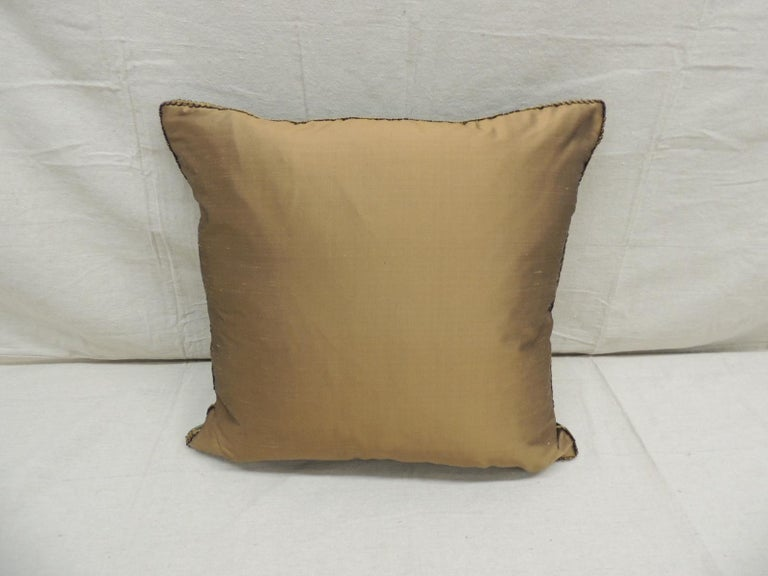 Antique Green and Gold Gaufrage Silk Velvet Square Decorative Pillow In Good Condition For Sale In Wilton Manors, FL
