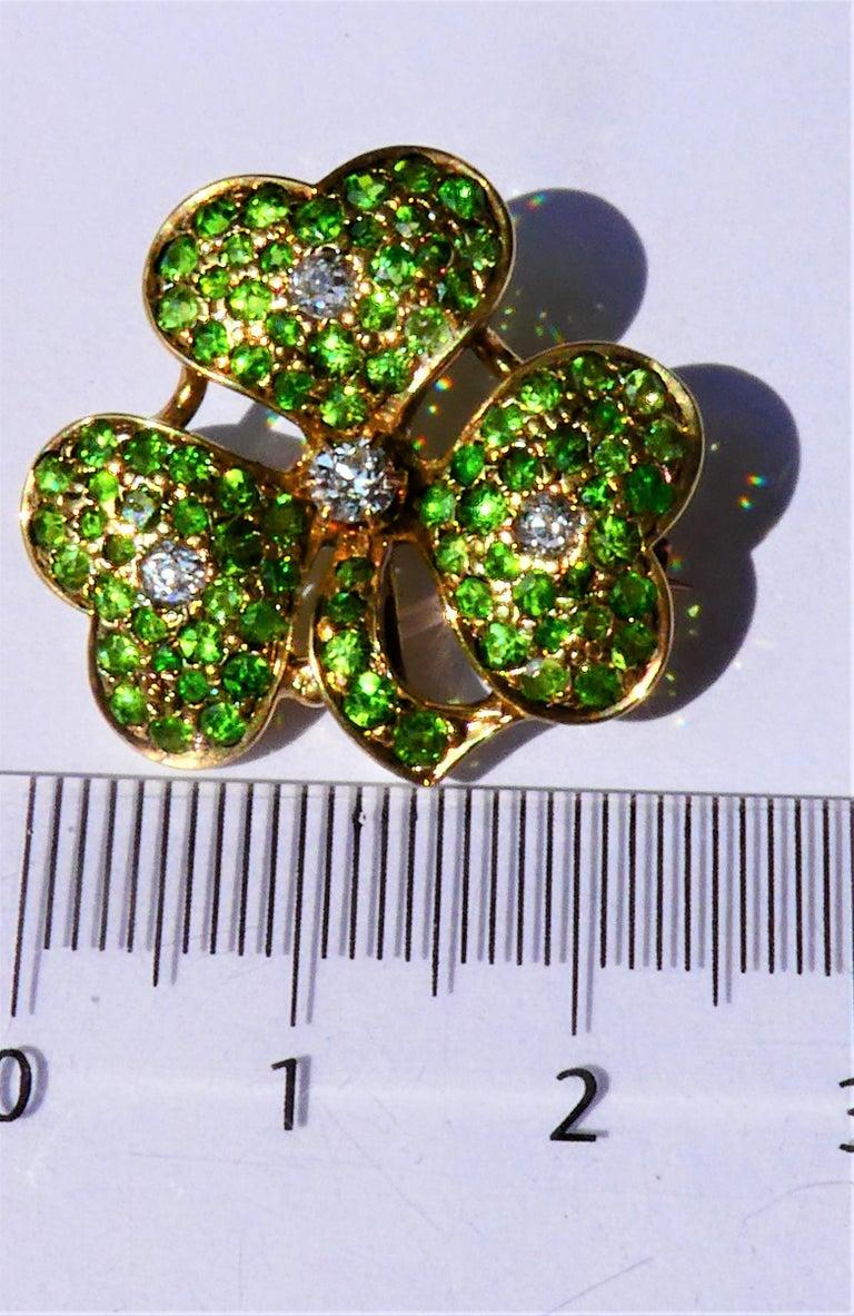 Women's Antique Green Demantoid Garnets and Diamonds 14 Karat Gold Cloverleaf Brooch For Sale