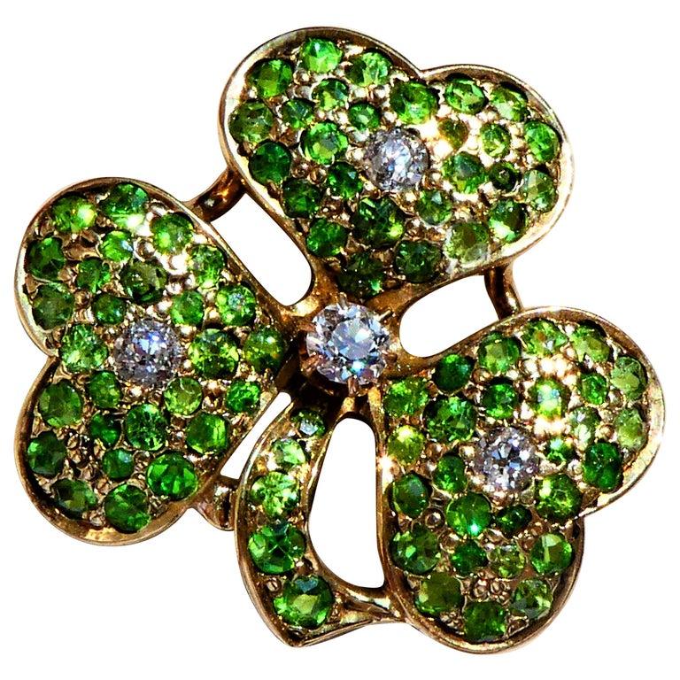 Antique Green Demantoid Garnets and Diamonds 14 Karat Gold Cloverleaf Brooch For Sale
