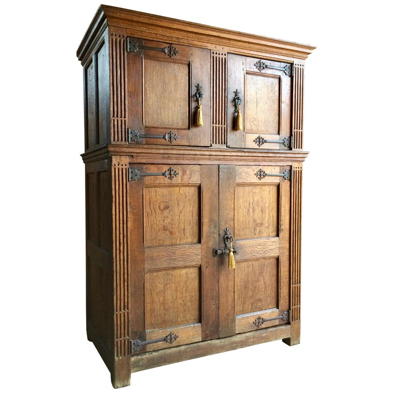 Antique Hall Cupboard Court Cabinet Solid Oak 18th Century, circa 1790 For  Sale - Antique Hall Cupboard Court Cabinet Solid Oak 18th Century, Circa