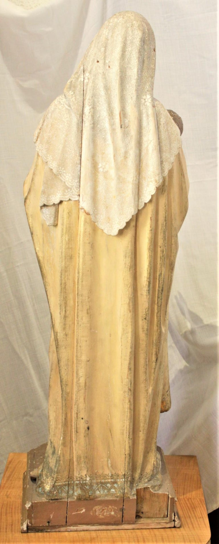 Antique Hand-Carved & Polychrome Painted Sculpture of The Madonna and Child In Good Condition For Sale In Hamilton, Ontario