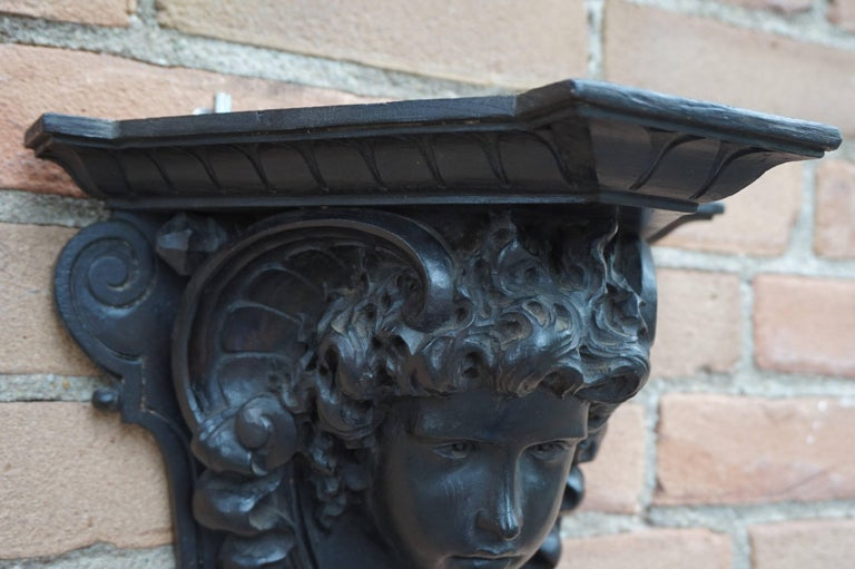 Antique Hand-Carved Renaissance Style Italian Wall Bracket by Ernesto Petralli For Sale 3
