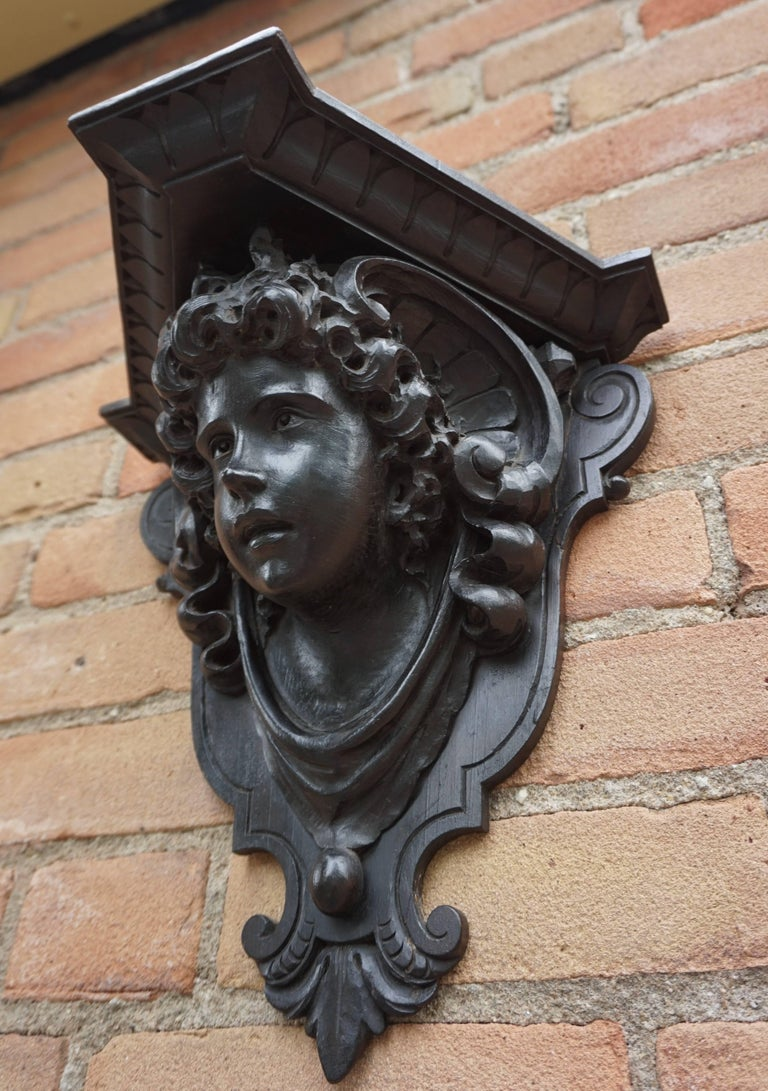 Antique Hand-Carved Renaissance Style Italian Wall Bracket by Ernesto Petralli For Sale 8