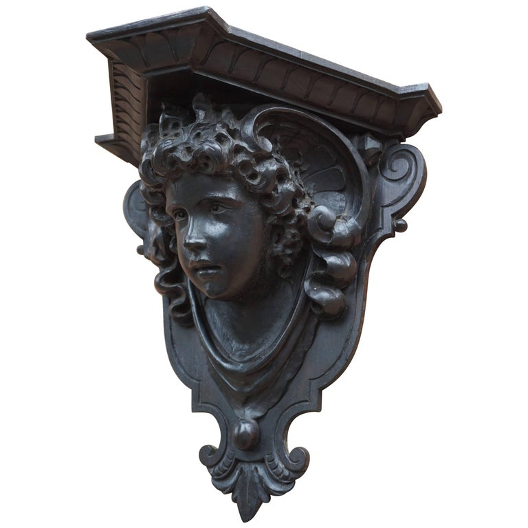 Antique Hand-Carved Renaissance Style Italian Wall Bracket by Ernesto Petralli For Sale
