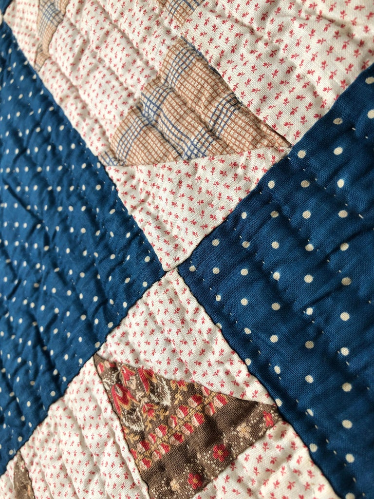 Antique Handmade Patchwork Quilt in Blue, White and Pink, USA, 1880s For Sale 3
