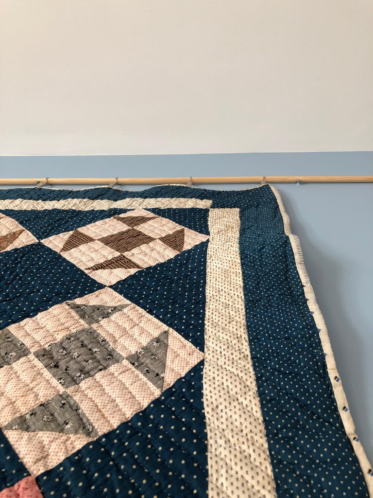 Antique Handmade Patchwork Quilt in Blue, White and Pink, USA, 1880s In Good Condition For Sale In Copenhagen K, DK
