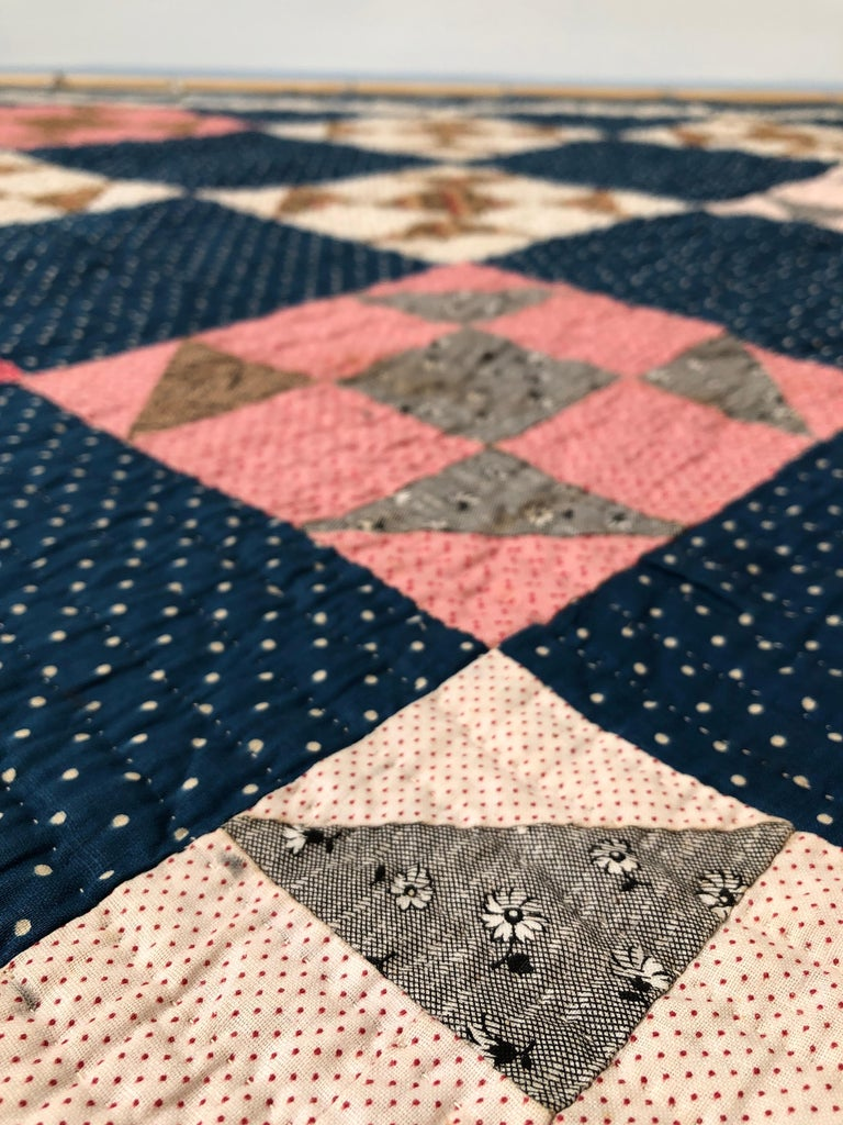 Antique Handmade Patchwork Quilt in Blue, White and Pink, USA, 1880s For Sale 2
