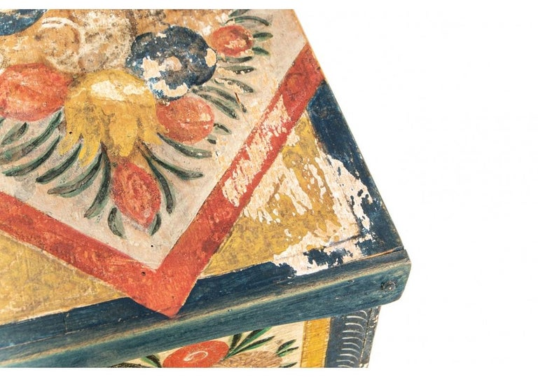 Antique Hand Painted Folk Art Pine Box In Good Condition For Sale In Bridgeport, CT