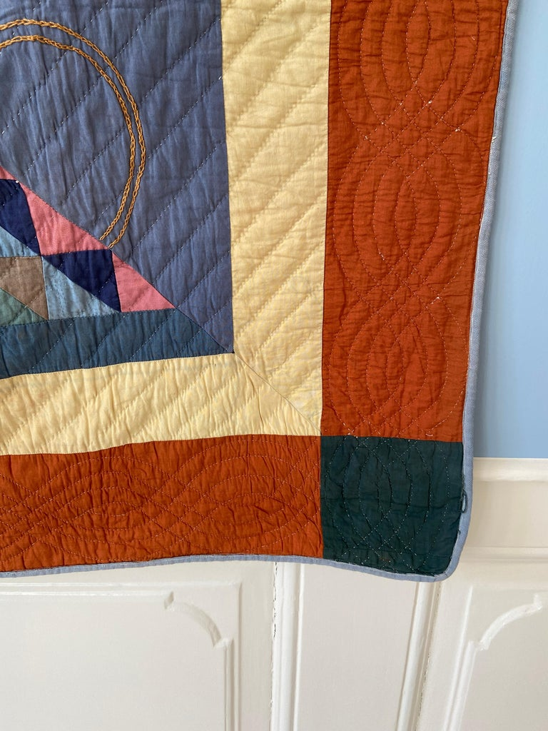 Antique Handmade Patchwork Quilt Decorated with Colorful Baskets, USA, 1920's In Good Condition For Sale In Copenhagen K, DK