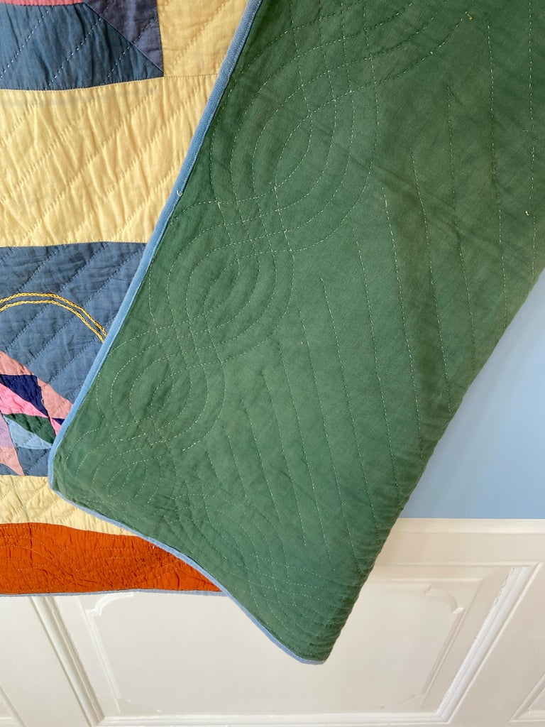 Early 20th Century Antique Handmade Patchwork Quilt Decorated with Colorful Baskets, USA, 1920's For Sale