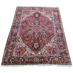 Antique Heriz Carpet Vibrant Colors Clear Design