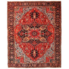 Antique Heriz Persian Carpet circa 1910 in Pure Wool and Vegetable Dyes