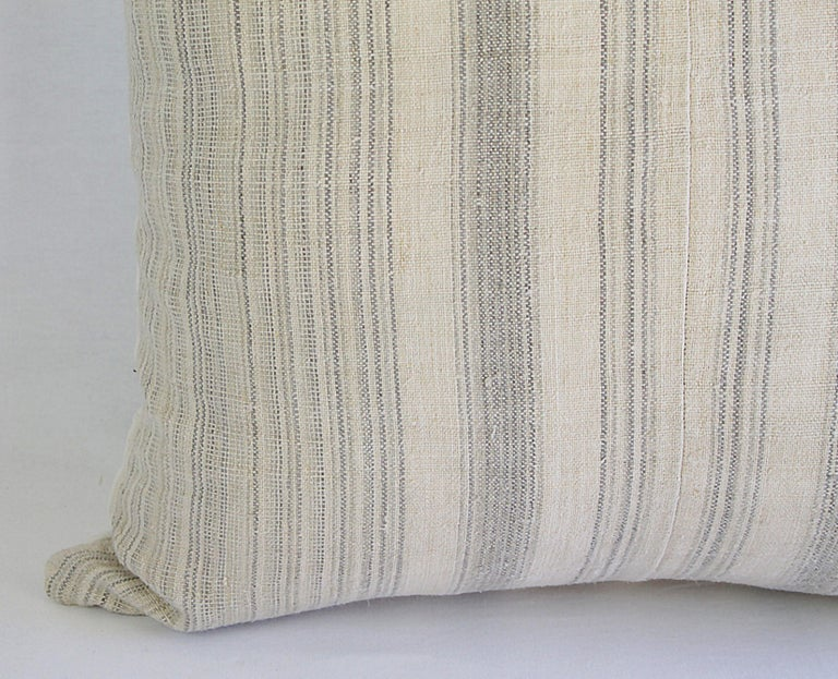 Antique Homespun Linen and Striped Grain Sack Pillow In Good Condition For Sale In Brea, CA