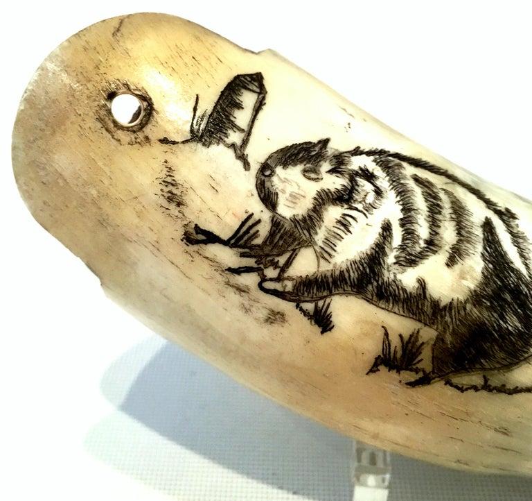 Antique Horn Carved Scrimshaw Powder Horn Flask For Sale 2