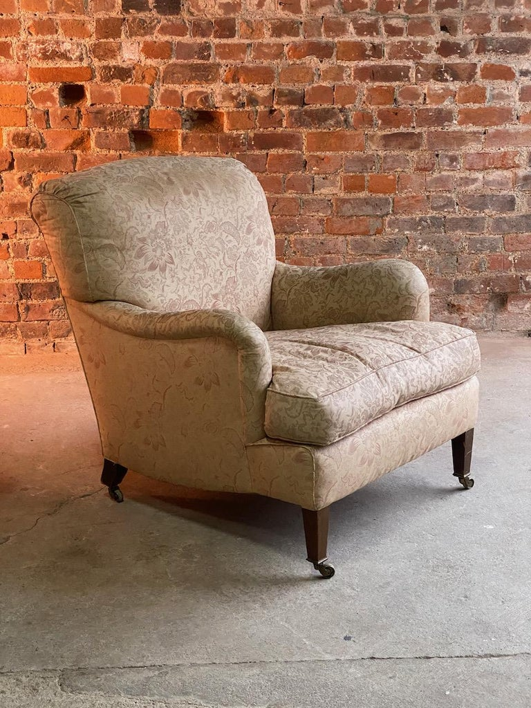 Antique Howard & Sons 'Bridgewater' Armchairs 19th Century, circa 1890 In Fair Condition For Sale In Longdon, Tewkesbury