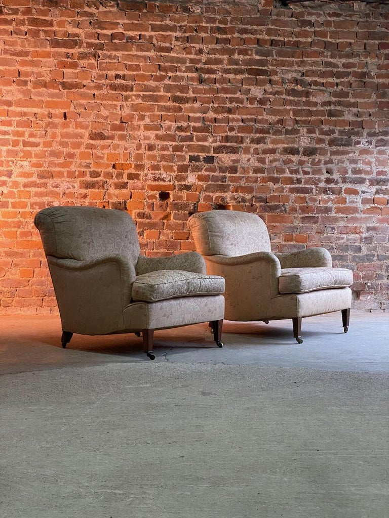 Antique Howard & Sons 'Bridgewater' Armchairs 19th Century, circa 1890 For Sale 1