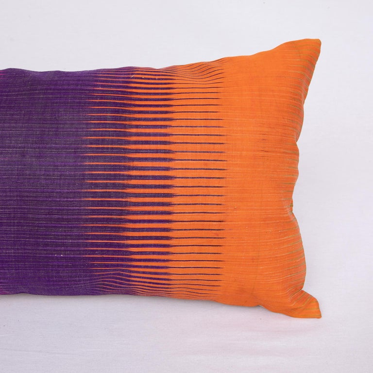 Antique Ikat Pillowcase /Cushion Cover from Uzbekistan, 1910s In Good Condition For Sale In Istanbul, TR