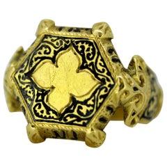 Antique Indian 18 Karat Yellow Gold Men's Ring, India, circa 19th Century