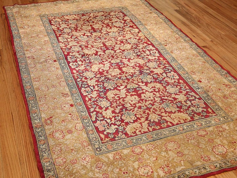 19th Century Antique Indian Agra Carpet. Size: 5 ft x 7 ft 7 in (1.52 m x 2.31 m) For Sale