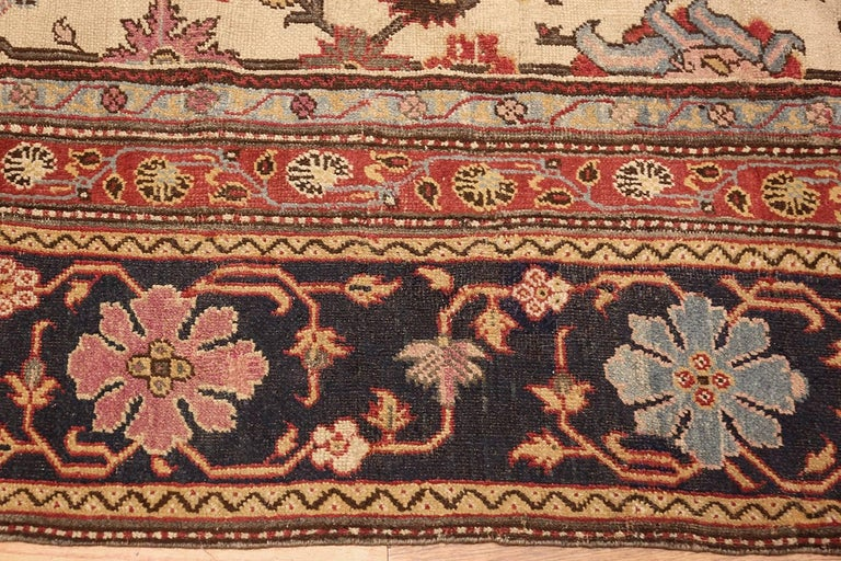 Antique Indian Agra Rug. Size: 11 ft 5 in x 11 ft 5 in (3.48 m x 3.48 m) In Good Condition For Sale In New York, NY