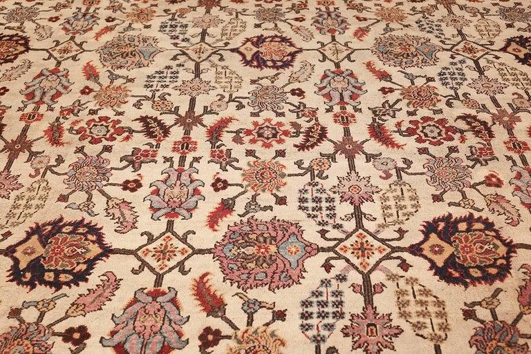 Antique Indian Agra Rug. Size: 11 ft 5 in x 11 ft 5 in (3.48 m x 3.48 m) For Sale 1