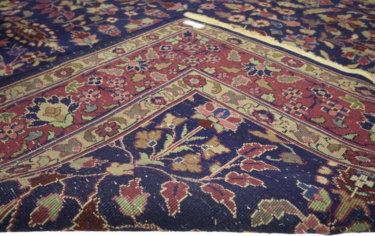 Antique Indian Area Rug with Modern Victorian Style In Good Condition For Sale In Dallas, TX