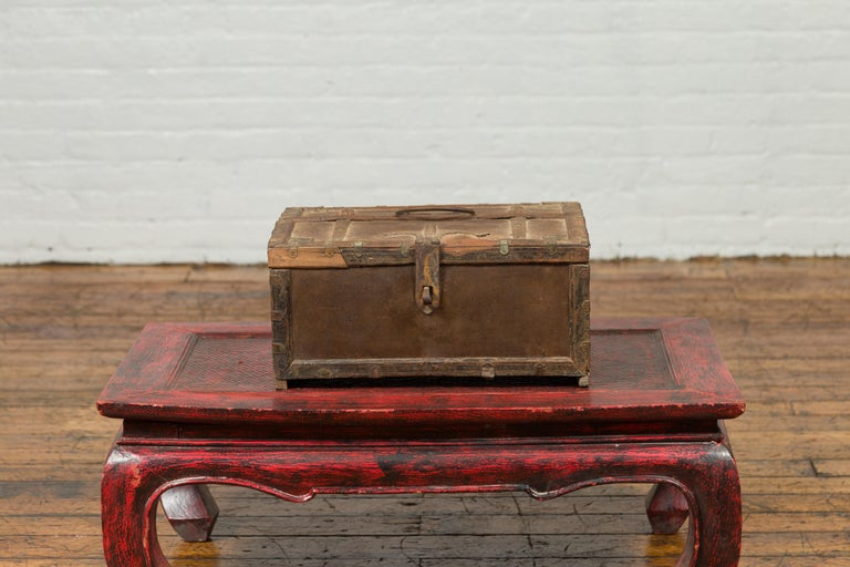 Antique Indian Wooden Cash Box from the 19th Century with Iron Hardware In Good Condition For Sale In Yonkers, NY