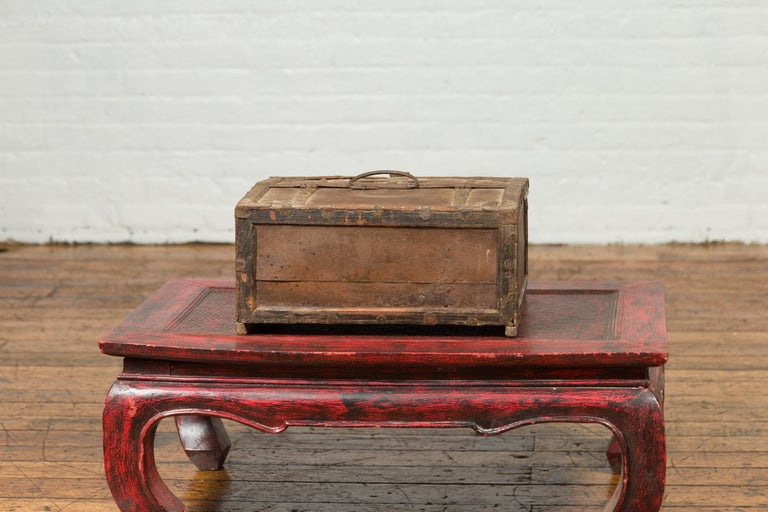 Antique Indian Wooden Cash Box from the 19th Century with Iron Hardware For Sale 4