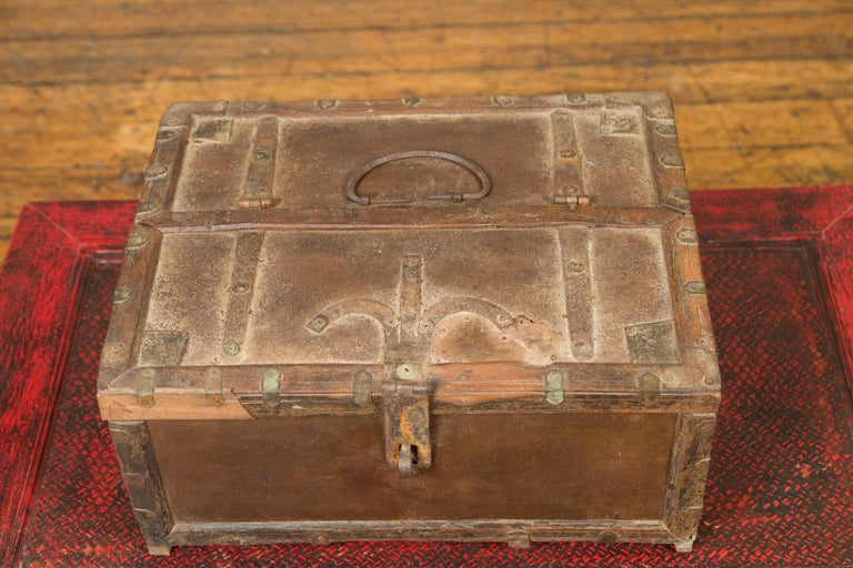 Antique Indian Wooden Cash Box from the 19th Century with Iron Hardware For Sale 5