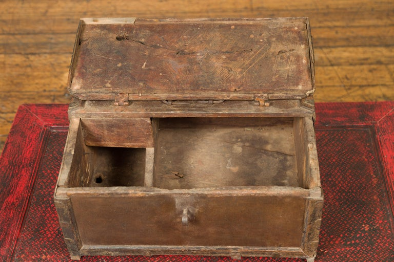 Antique Indian Wooden Cash Box from the 19th Century with Iron Hardware For Sale 6