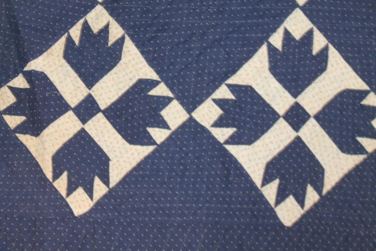 Antique Indigo Blue Quilt in Bear Paw Pattern In Good Condition For Sale In Los Angeles, CA